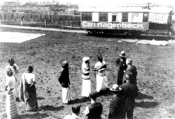 1923: Carl Hagenbeck with The Sinhalese Village performers